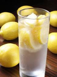 飲酒者の4人に1人がレモンサワーを支持! レモンサワーが若者を中心にブーム! 凍結レモンやシャーベット等進化系レモンサワーが続々登場